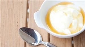 1 hũ sữa chua khắc phục 5 vấn đề về da