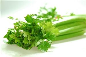 8 lý do đáng để bạn ăn cần tây nhiều hơn