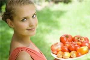 Ăn cà chua tránh ung thư, mỡ máu và bệnh tim mạch