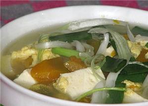 Canh bí đỏ đậu phụ và trứng