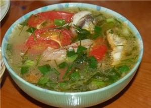 Cách nấu canh đầu cá dưa chua nhà hàng cũng phải chào thua