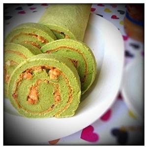 Bông lan cuộn trà xanh bơ đậu phộng