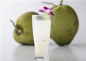 Uống 1 ly nước dừa tươi trong 1 tuần bạn sẽ thấy điều kỳ diệu xảy ra